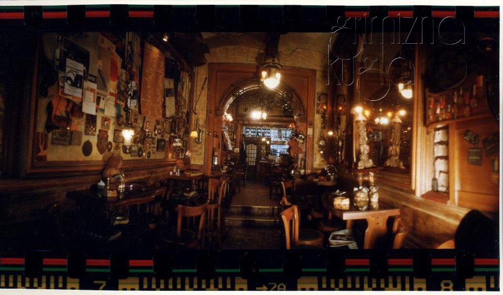 Sarajevo - kafe bar Zlatna Ribica - Page 3 ZLATNA_RIBICA_Sarajevo003
