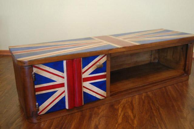 """""""British style"""" stalak za TV i knjige"""