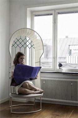 Stolica uz prozor